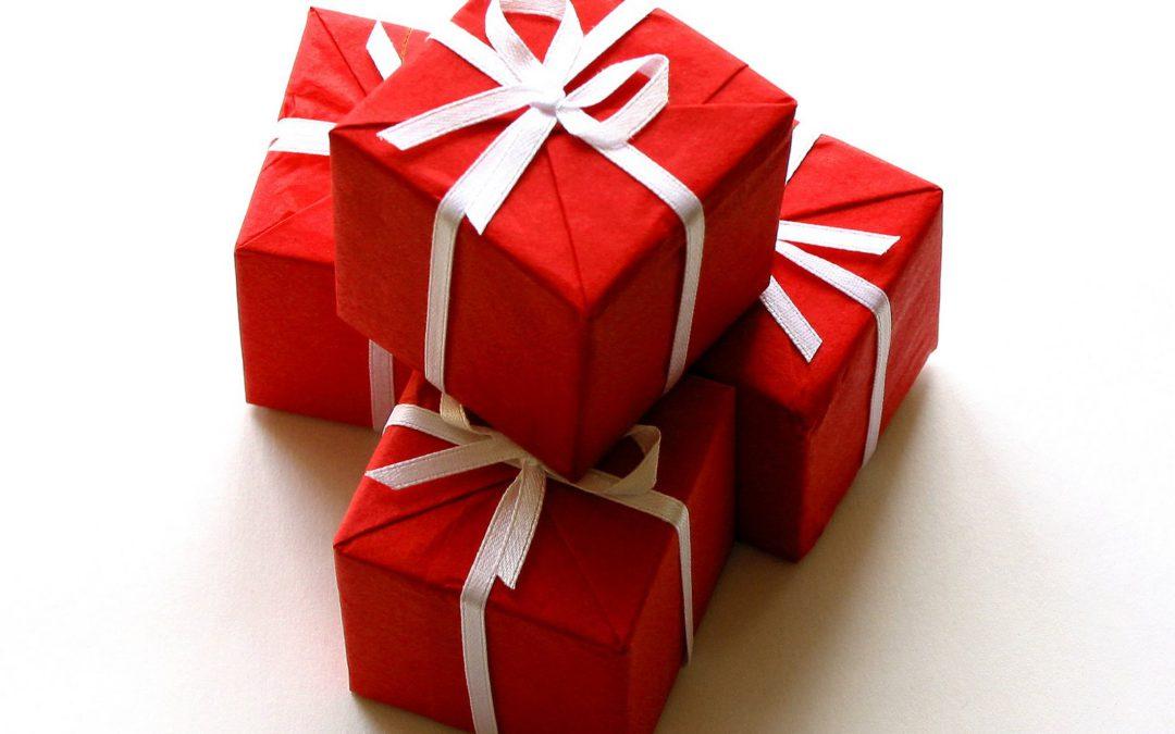 Трудно выбрать подарок? 15 простых идей.